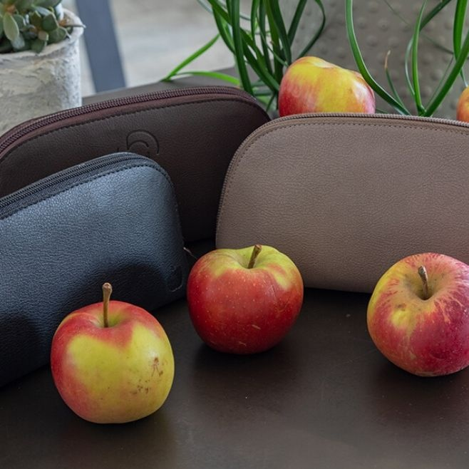 Logotrade promotional products photo of: Apple Leather Toiletry Bag